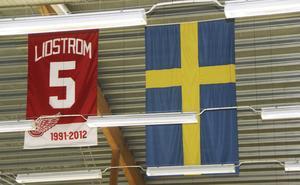 Nicklas Lidströms matchtröja i OutoKumpu hallen i Skogsbo, Avesta.