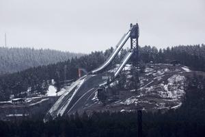 En gigantisk förlustinvestering, vars usla ekonomi kan mildras något, med rätt hyra för VM 2025, konstaterar Jens Runnberg.