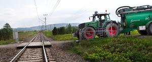 Tåget snuddade vid traktorn