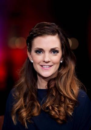 Johanna Ojala kommer befinna sig mer i tv-studion än i spåret under denna säsong.