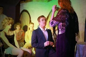 Oskar Ohlsson och hans klasskamrater fyllde ungdomslokalen i Ljusnedal när de uppförde Mamma Mia.