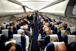 Inget kul. Det är sällan roligt att märka att personen i flygplansstolen bredvid betalat mycket mindre för sin resa än du. För att undvika detta är det bra att vara ute i god tid innan du bokar.