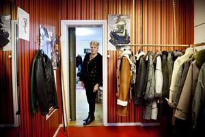 I Inger Jans butik på Östermalm i Stockholm fick man aldrig säga förnamnet till kunderna, den tiden saknar hon inte.