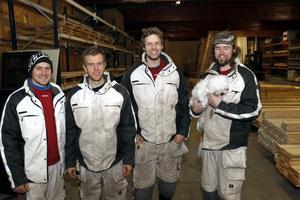 Mikael Forsberg, Robert Karlsson, Aaron Peltonen, Stian Verhnjak Møller och hunden Bentley.