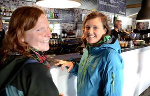 Line Fallhagen och Therese Eneland från Östersund hade som främsta mål att hitta något gott att äta. När Länstidningen träffade dem hade de ännu inte hunnit få sin mat.