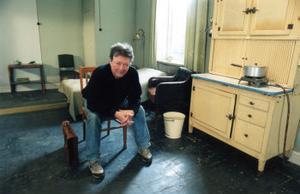 Allan Edwalls karriär som vispoet blev aldrig särskilt uppmärksammad medan han levde. Kompisen och medmusikanten Björn Ståbi tror att det berodde på att folk inte tog hans visor på allvar eftersom han var skådespelare.