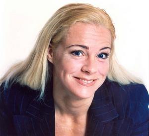 Malena Ernman, ett allsidigt krutpaket, som kommer till invigningen. Aktuell i Melodifestivalen.