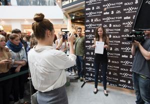 Karin Giourkou fotograferade tjejerna som sökte till Modelljakten i går. Hela tävlingen dokumenterades av ett tv-team och resultatet kommer att visas i höst på Kanal 5 play.