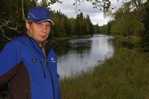 Torbjörn Andersson har varit projektledare för restaureringen av Vanån, som nu är slutförd. Foto:Björn Rehnström
