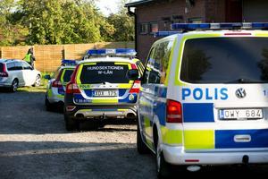 Polisen var en vanlig syn vid Bandidos lokaler i Borlänge.