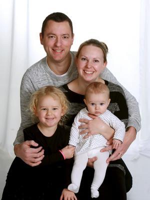 Sofie och Pierre Mihlberg, Nykvarn, fick den 9 juni en flicka som heter Leah. Längd 51 cm, vikt 3904 g. Syskon är Elvira.