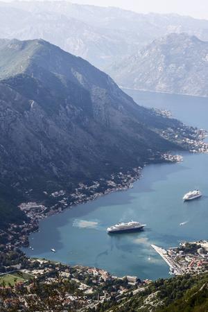 Bildtext 3: Kotorviken i Montenergo är en populär anhalt för kryssningsfartyg.   Foto: Annika Goldhammer