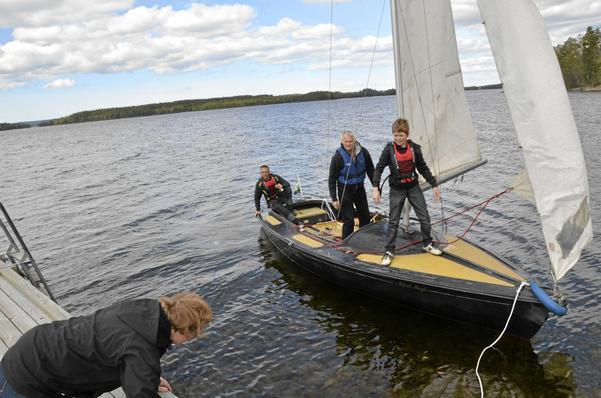 Sjön i fokus. Marlies de Kort, Hein de Kort, Arne Olofsson och Heiko de Kort tycker att Sköna maj är ett bra arrangemang som knyter samman de olika verksamheterna runt Unden.