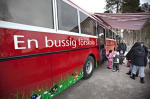 En bussig förskola finns det i Valbo från och med i går.