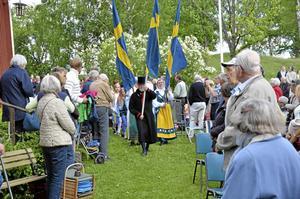 Besöksrekord. Runt 300 besökare kom för att fira nationaldagen på hembygdsgården Högan utanför Fjugesta i går.