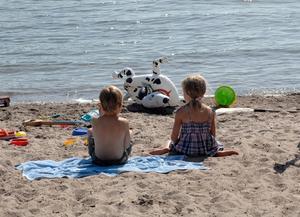 Ha alltid barn under uppsikt på stranden.