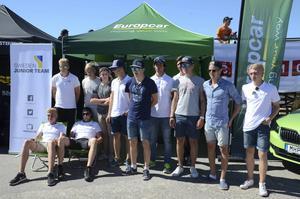 Här är några av medlemmarna i svenska motorsportlandslaget samlade.
