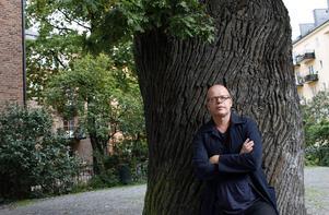 urval. Magnus Västerbro har valt ut 101 historiska händelser, som han samlat i den nya boken.