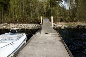 En brygga för fritidsbåtar.