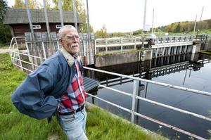 Den här dammen hade Envikens Elkraft tänkt rusta för 17 miljoner, alltså i klass med vad skadeståndet och ränta på ränta och advokaten kostar.