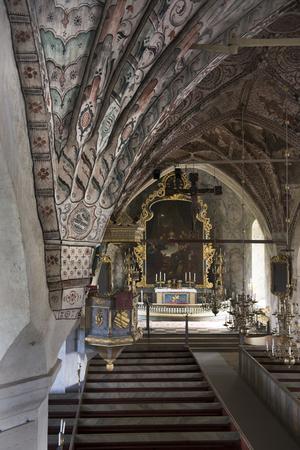 Under nästan 20 år rustades Stora Skedvi kyrka under Wahlmans ledning, C.W. Pettersson renoverade det medeltida måleriet i valven.