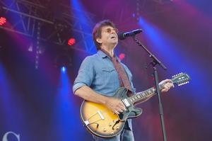 Det var drygt 25 år sedan Niklas Strömstedt spelade i Härnösand.