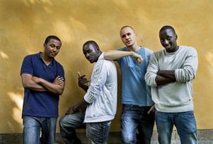 Gruppen Panetoz består av Nebeyu Baheru, Pamodou Badjie, Johan Hirvi och Njol Badjie.