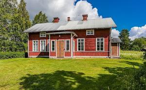 Nybergets gamla skola i Stora Skedvi, Säters kommun, är den mest klickade fastigheten i Dalarna på Hemnet under vecka 32.