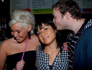 Pluto. Lottie, Paula och Max