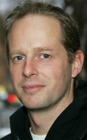 Uffe Höglund,39 år, Ås:– Ja, absolut. Jag gillar att köra snöskoter, det är en frihetskänsla. Och det är lite trevligare när det är vitt än när det är mörkt och svart.