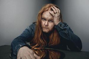 Varje år ger Mattias Alkberg ut minst ett nytt album eller bok – på fredag spelar han på Pipeline.