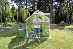 Trädgård. Erik Dahlberg flytta till Hasselfors för fyra år sedan. Han trivs bra och vill se mer fokus på Laxås ytterområden.