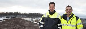 Johan Hjerpe från Miljö och Jan-Olov Johansson från Entreprenörssamordning har arbetat med projektet bullervall på Savelgärdet.
