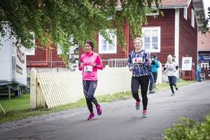 Malin Wikström och Maria Thor, båda från Korskrogen kom etta respektive tvåa i damklassen på sex kilometer.