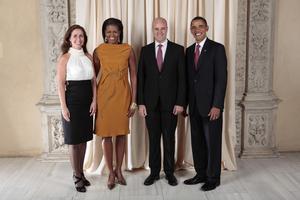 Den förre statministern Fredrik Reinfeldt och hans exhustru Filippa Reinfeldt träffade president Barack Obama och presidenfrun Michelle Obama i New York 2009.  P