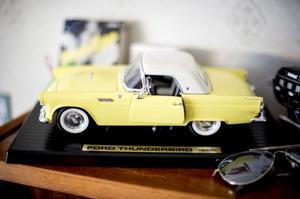 En Ford Thunderbird i miniformat.