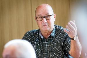 Oppositionsråd Olov Nilsson Sträng (–).