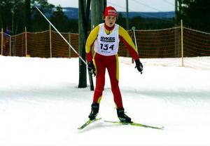 Sara Östling, Svegs IK, vann damer 13 år och var en av många  snabba hemmaåkare.  Foto: Stefan persson