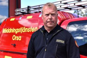 Per-Erik Jonsson är stf. räddningschef i Orsa. Han oroas över utvecklingen med bilbränder.
