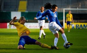 Målskytt. Stina Segerström målade för Sverige.