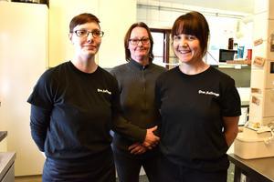 Inbrott och skadegörelse gör inte att de här tre slutar ta emot med öppna armar och leenden: Camilla Jarpe, Susanne Ekebris och Helen Olpers.