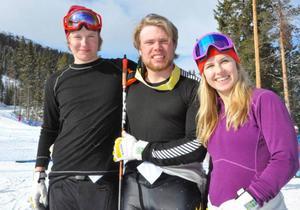Det svenska laget i Funäsdalen, Simon Kråik, Olle Collberg och Lisa Englund fick glädjas mest åt Lisas andraplats första tävlingsdagen.