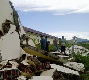 En jordbävning i Indonesien orsakade en tsunamivarning kring hela Indiska Oceanen i går. Gårdagens händelser visar att det hänt en del med den svenska krisberedskapen. Annat var det vid tsunamin 2004 då svenska myndigheters handlingsförlamning var total.