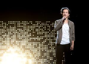 Frans framför här bidraget If I were sorry efter segern i Melodifestivalens final i Friends Arena.