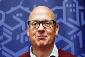 Styrelseledamoten Bosse Svensson tror på en positiv lösning trots det mycket kärva ekonomiska läget för dambasketlaget i Östersund.