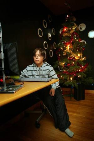 Stammis. Robin Segel, 12 år från Sandviken, kommer till UC varje dag på lovet. Han tycker om att spela tv-spel, dataspel och pingis.