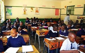 Den här skolklassen i Kisumu fickeleverna från Rättvik besöka.Foto: Lisa Liljergren