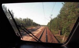 Enligt Banverkets idéstudie behövs det ett dubbelspår mellan Gävle och Sundsvall. Kanske också en helt ny sträckning väster om E4. arkivbild