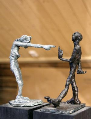 Scener ur ett äktenskap II, bronsskulptur av Sture Collin.