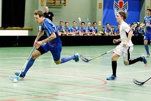 Alexander Larsson har redan visat vilken värdefull spelare han är för GGIK. Tre målgivande passningar blev det mot Dalen – alla öppnande till måltjuven Andreas Dahlqvist. Nu räckte det inte utan det blev förlust med 7–3.